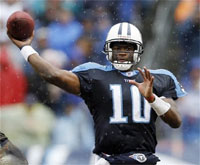 Vince Young wins offensive ROY award